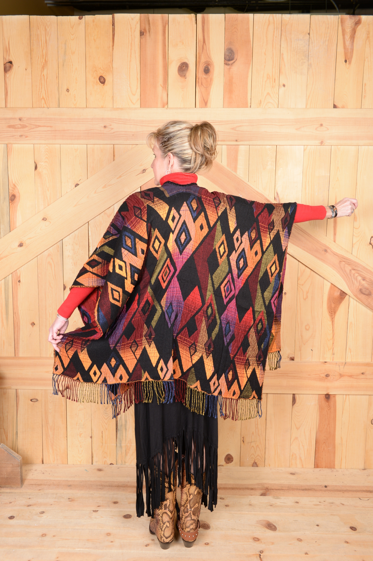 #100DSC - SUNSET DIAMOND ITALIAN CAPE - O/S - SALE $99.95!